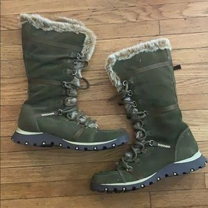 Skechers winter boots size 9 color olive